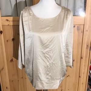 🐰 BOGO NWOT Chico's Batwing Blouse Chico's size 2